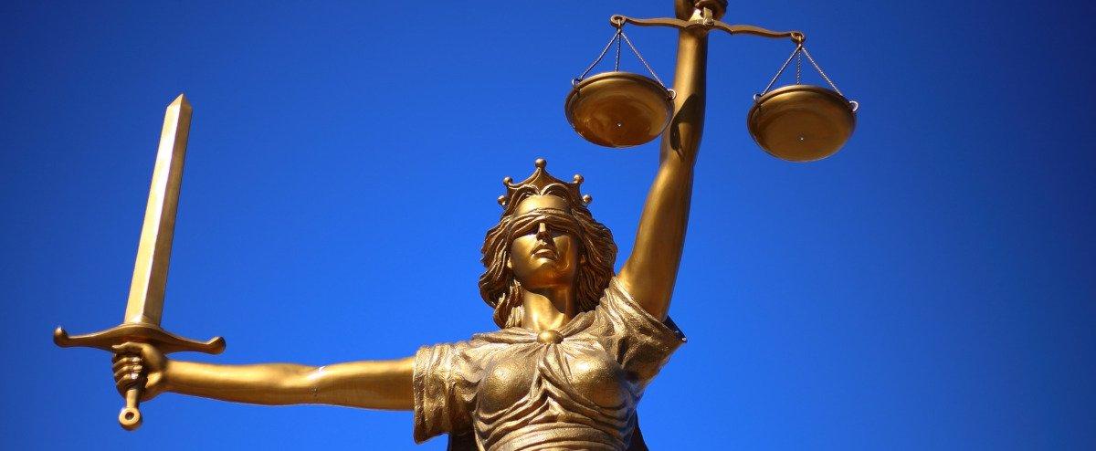 Statue von Justizia