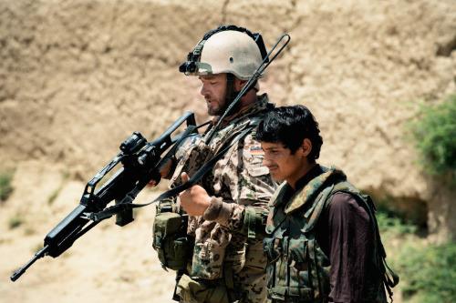 Jesper (Ronald Zehrfeld) und Tarik (Mohsin Ahmady) müssen sich gegenseitig vertrauen