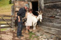 Während des Drehs stand Anuk Steffen sogar ein eigener Ziegencoach zur Seite.