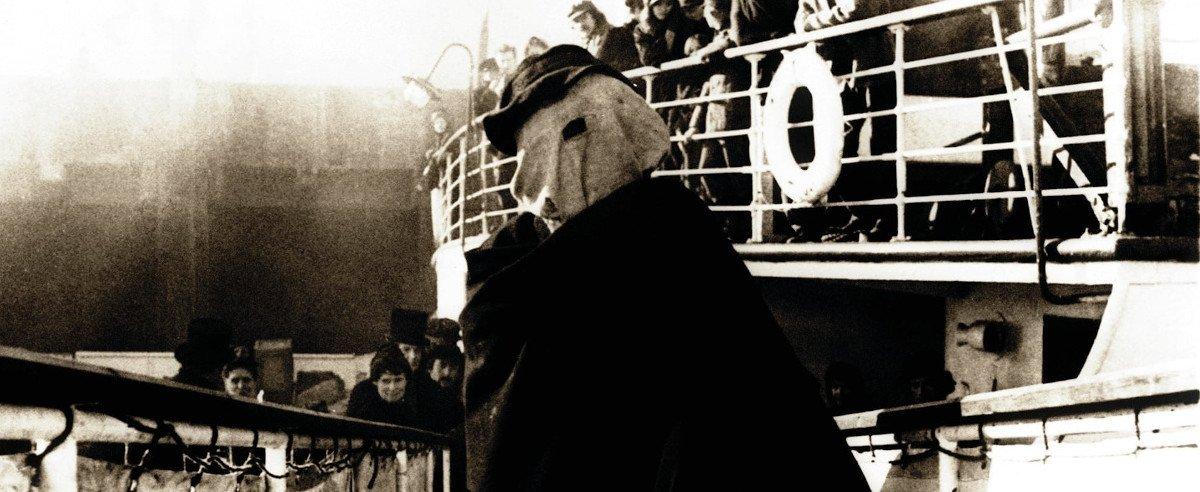 """Szenenbild """"Der Elefantenmensch"""""""
